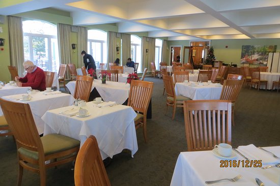 Sherwood Inn: Lovely large dining area.