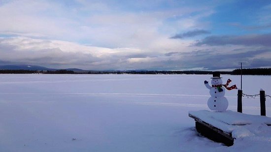 Anahim Lake, Kanada: Views of the Frozen Lake