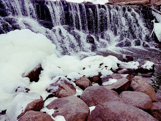 Hales Corners, WI: Whitnall Falls in January