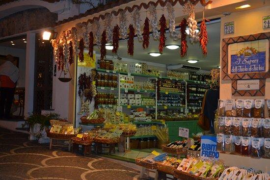 Casamicciola Terme, Italie : esterno negozio
