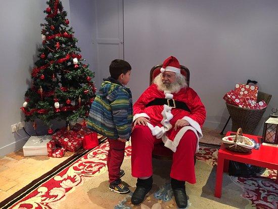 Beaugency, France: Un père Noël superbe