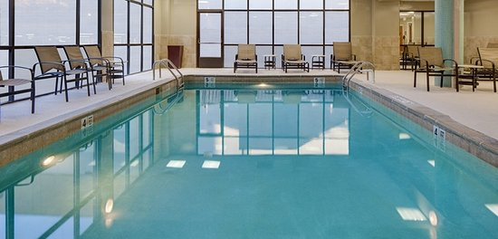 Awesome review of embassy suites by hilton secaucus for Pool show new jersey