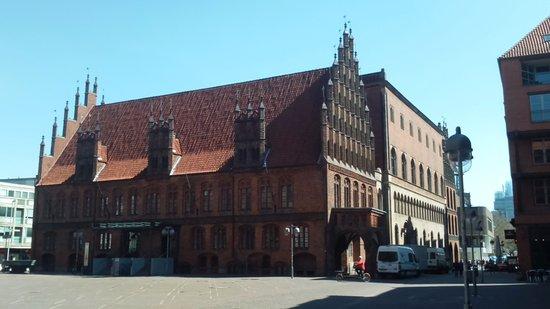 Altes Rathaus: старая ратуша