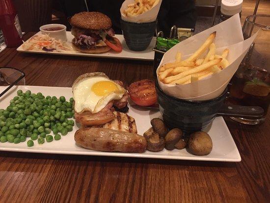 Premier Inn Loughborough Hotel: Food at the hotel