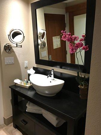 The Wash Basin In The Hallway Picture Of The Sofia Hotel San Diego Tripadvisor