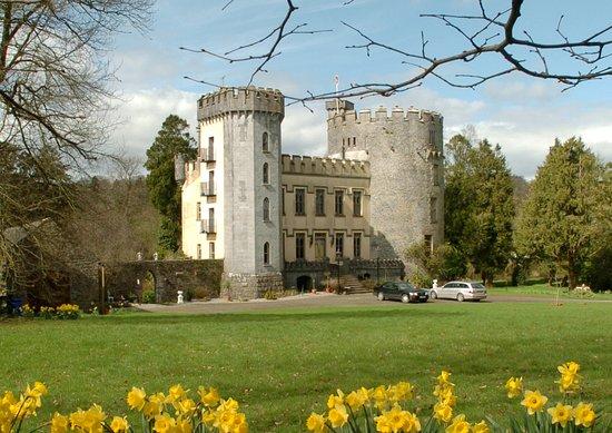 Farney Castle