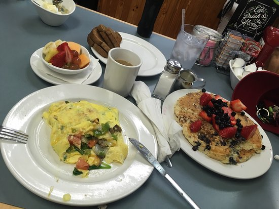Peach's: Delicious veggie omelette and blueberry pancakes..