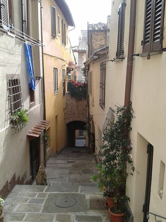 Certaldo, Włochy: scorcio in centro.