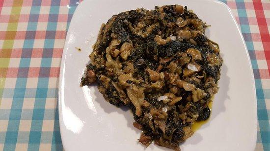 Restaurant La Cooperativa: Manitas de cerdo deshuesadas con espinacas