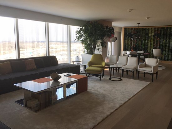 Oxon Hill, MD: Living + Dining + View