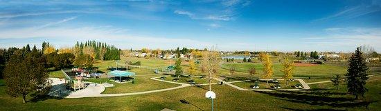 Brooks, Canada : Panorama of Duke of Sutherland Park