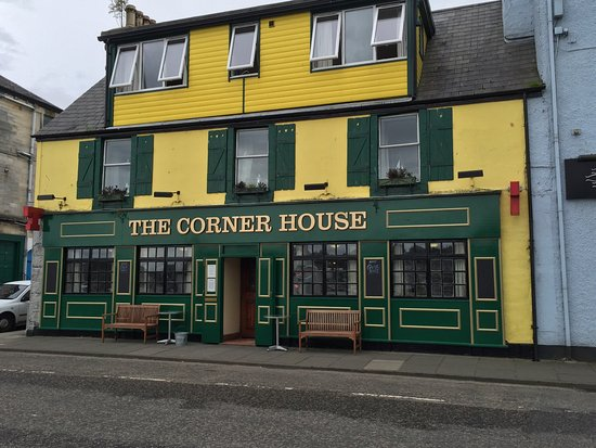 Tarbert, UK: The Corner House