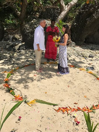 Vanua Levu, Fiyi: Renewal Vow Ceremony on Private Beach a boat ride away.