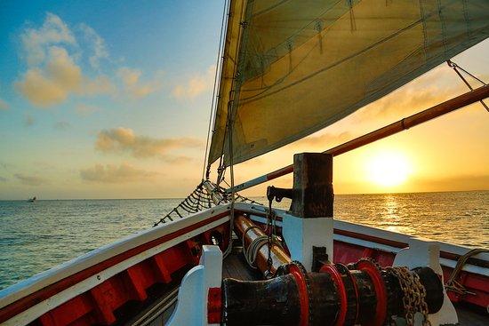 Schooner Appledore: Amazing Sun Sets in Key West.
