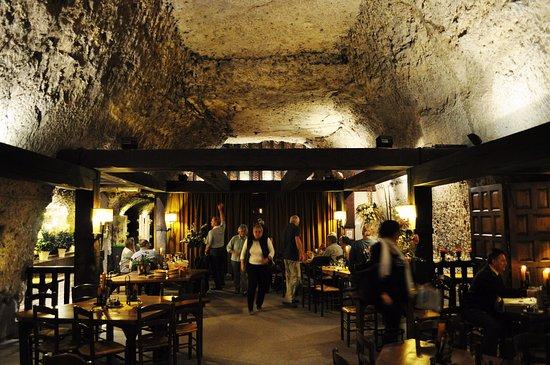 Montlouis-sur-Loire, Γαλλία: La Cave interior