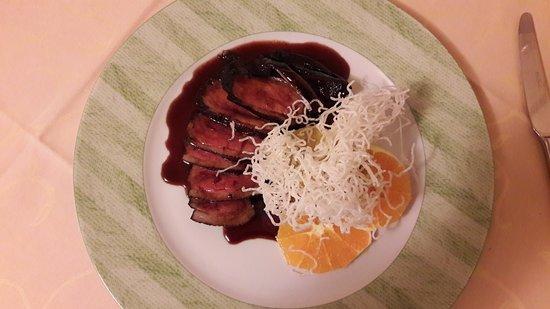 Al Fornello della Sandra : Anitra all'arancia con sformato di porri e nuvole di riso