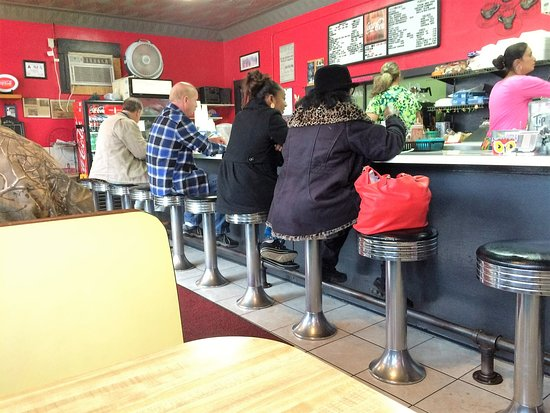 Lenoir, NC: 1 PM in cafe that closes at 2PM (additional booths not in view)