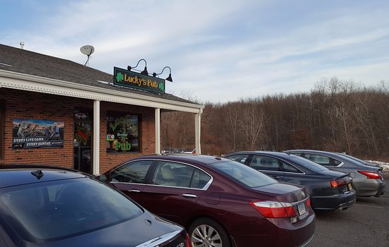 Suffield, CT: Store Frontage
