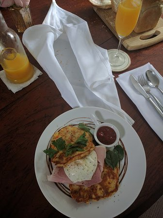The Castle on Tamborine: Surprise and served hot every morning thank you!