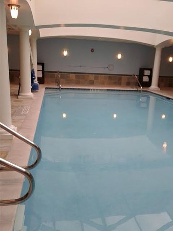 Livingston, Nueva Jersey: Piscina