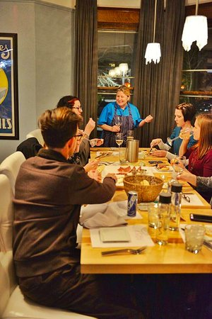 Douglas, MI: wine tasting and dinner
