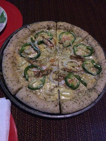 Mamburao, ฟิลิปปินส์: This pizza is superAWESOME!!!! they have others too, but I ONLY want this...