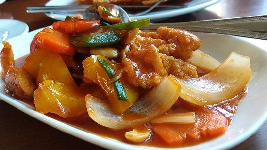 Airport Mansion Phuket: อาหารไทยอร่อยไม่แพ้ชาติใดในโลกและที่สำคัญอาหารไทยที่แอร์พอร์ตแมนชั้นก็ไม่แพ้ที่ไหนในภูเก็ต....