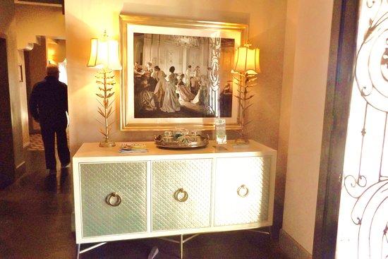 La Quinta, CA: Elegant furnishings