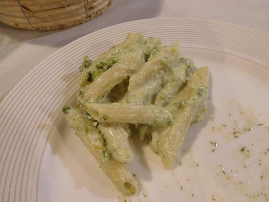 Sant'Alfio, อิตาลี: プリミその2:ピスタチオとチーズのペンネ