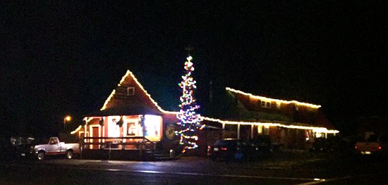 Taylorsville Tavern all decked out for the Light Parade!