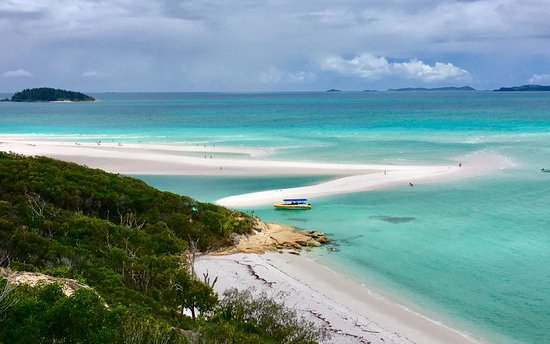 Ocean Rafting: View of whitehaven beach from vista point