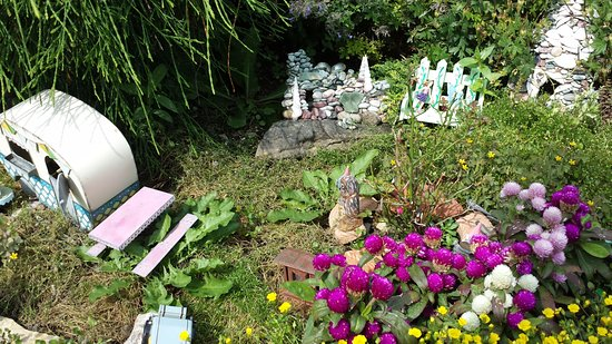 Sturgeon Bay, WI: One of the many fairy gardens