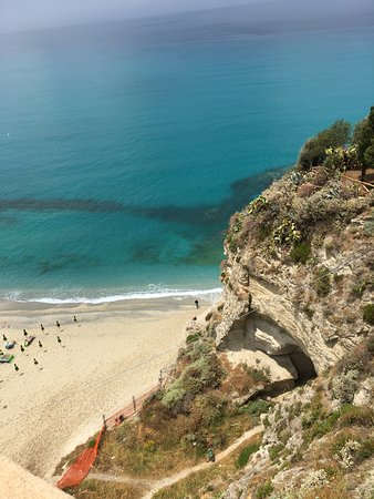 Tropea : Half way up the hill.