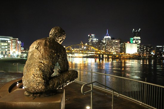 Mr Rogers Memorial Statue Pittsburgh Tripadvisor