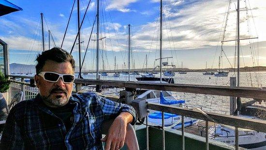 Tognazzini's Dockside Restaurant: Just chillin' in Morro Bay...Toggnazini style