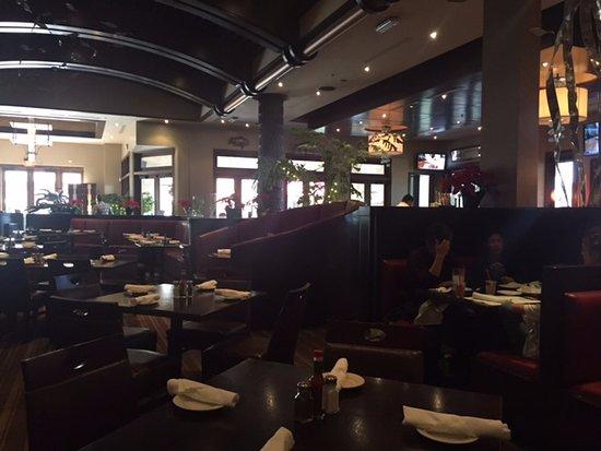 Tustin, CA: Dinning area