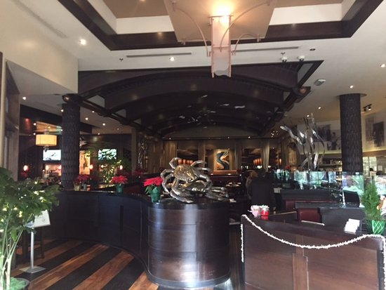 Bluewater Grill: View as you walk in !