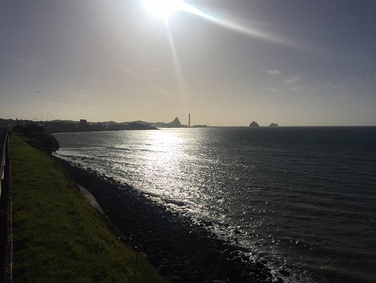 New Plymouth, Nueva Zelanda: View towards the port