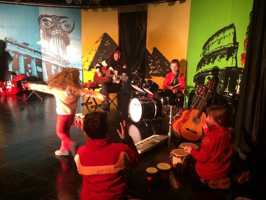 Montalbert, Francia: Avec Auren, ils découvriront les joies de la musique dans la bonne humeur