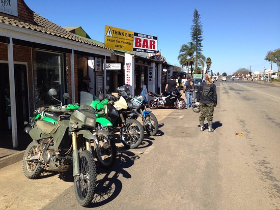 Riders Rest Pub and Grill: Early morning breakfast run, stopped over at the Bike Bar for a quick beer and coffee