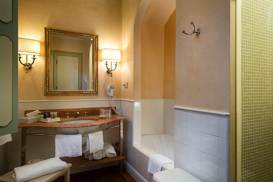 Bagno bathroom picture of alla posta dei donini san martino in campo tripadvisor - Bagno point campo san martino ...