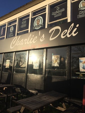 Charlie's Deli: photo0.jpg