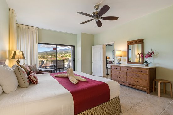 Outrigger Royal Sea Cliff: Royal Sea Cliff Kona Unit Bed Oceanview