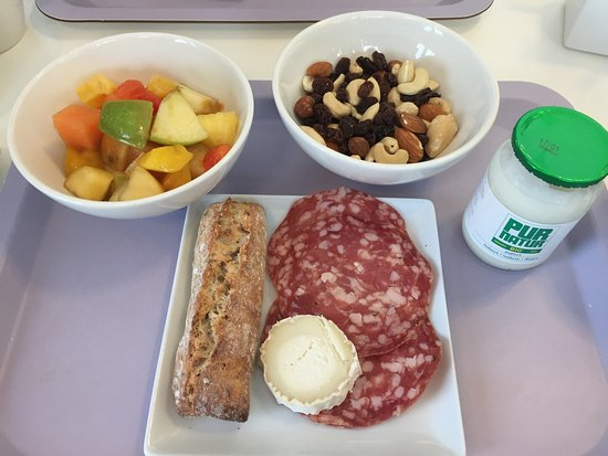 Novotel Suites Luxembourg : Basic; but breakfast is okay
