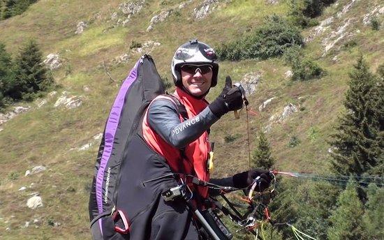 Fiesch in Valais, Switzerland: Flying Center Oberwallis Flugschule Gleitschirm Delta