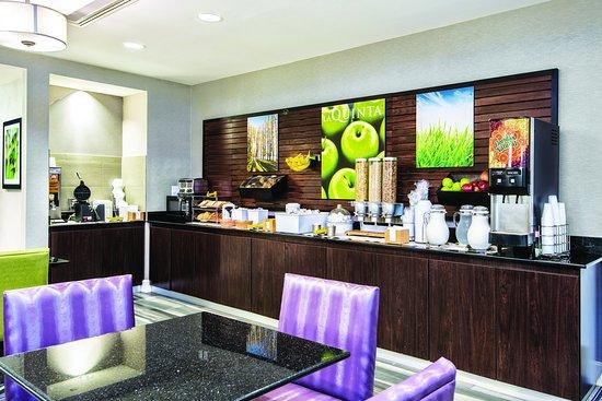 Irving, TX: Breakfast Bar