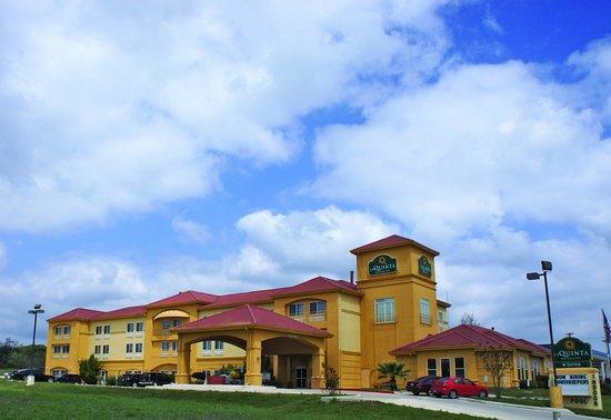 La Quinta Inn & Suites Kerrville: Exterior