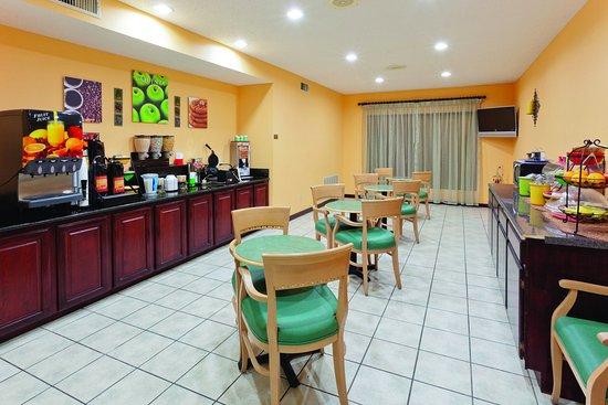 เทอร์เรล, เท็กซัส: Breakfast Area