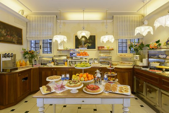 Hotel Ala - Historical Places of Italy : OUR AMAZING BUFFET BREAKFAST
