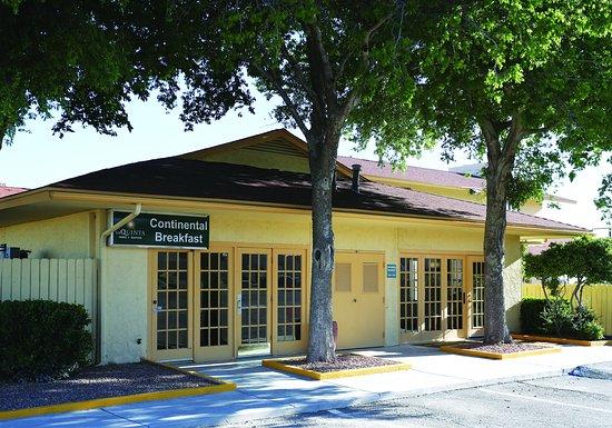 La Quinta Inn Fort Stockton : Exterior